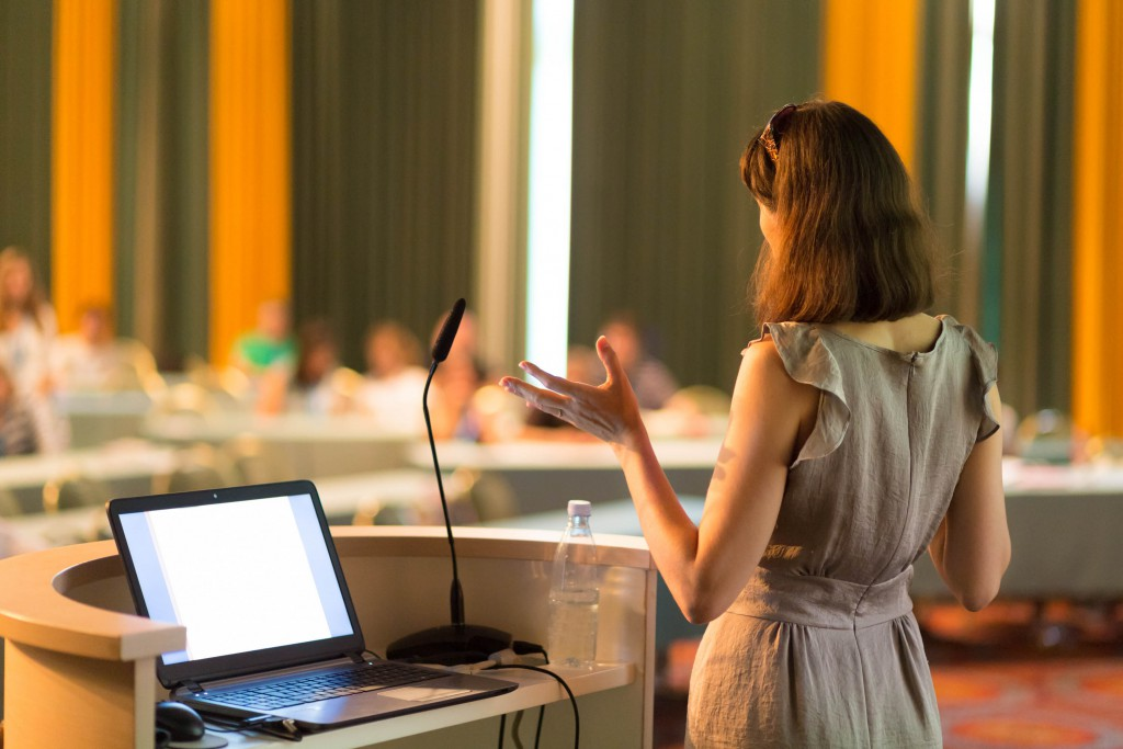 How to Start a Presentation So You Immediately Capture the Room